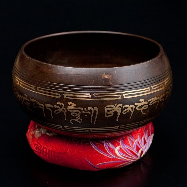 【一点物】チベタンシンギングボウル【音階:A#】 650g(スティック付属)の写真