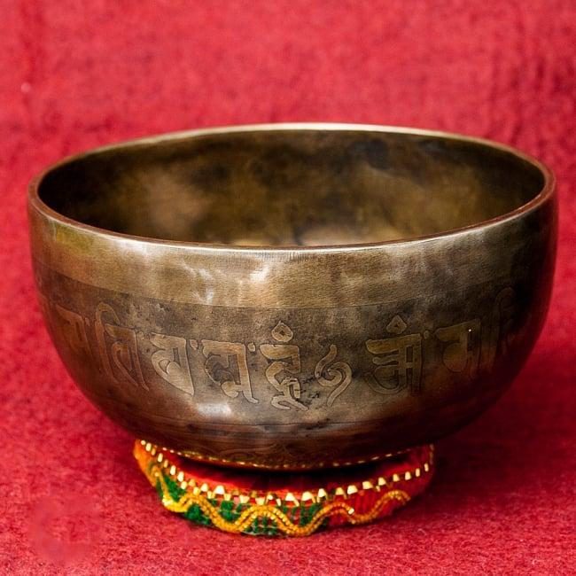 【一点物】チベタンアンティックシンギングボウル【音階:F】1032g(スティック付属)の写真