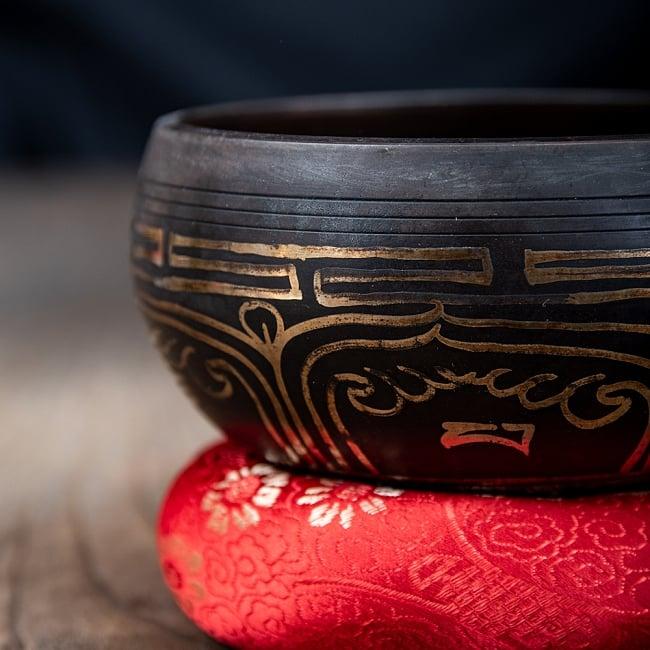 【アソート】チベタンシンギングボウル (スティック付属) 11.5cm前後 3 - 縁を擦ることで倍音が鳴り響きます。