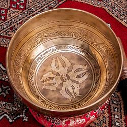 【一点物】チベタンアンティックシンギングボウル【音階:D】約1300g(スティック付属)の商品写真