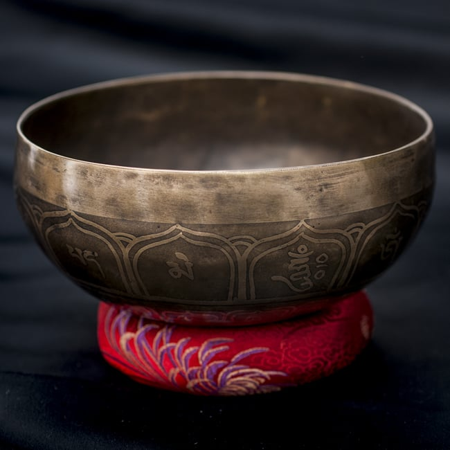 【一点物】チベタンシンギングボウル【音階:C#】670g(スティック付属)の写真
