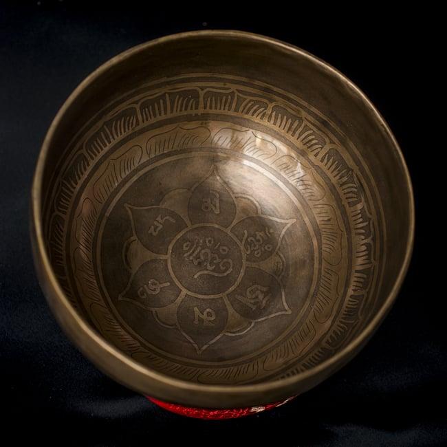 【一点物】チベタンシンギングボウル【音階:D#】611g(スティック付属) 3 - 上からの撮影となります。