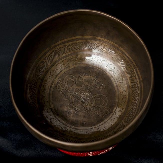 【一点物】チベタンシンギングボウル【音階:C#】663g(スティック付属)の写真3 - 上からの撮影となります。