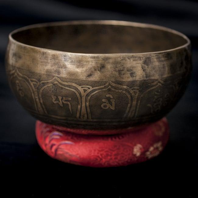 【一点物】チベタンシンギングボウル【音階:D#】666g(スティック付属)の写真