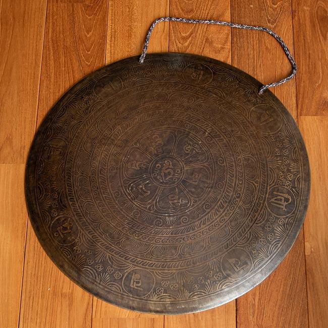 【一点物】ブラスの銅鑼 チベットやネパールの寺院で礼拝用に使用されている〔51cm 3.8Kg〕 4 - 全体写真です