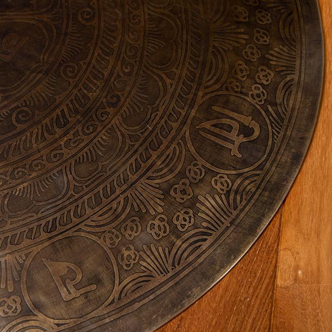 【一点物】ブラスの銅鑼 チベットやネパールの寺院で礼拝用に使用されている〔51cm 3.8Kg〕 7 - 別の角度から
