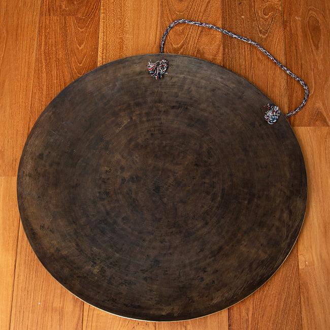 【一点物】ブラスの銅鑼 チベットやネパールの寺院で礼拝用に使用されている〔51cm 3.8Kg〕 9 - 裏面はこのようになっております