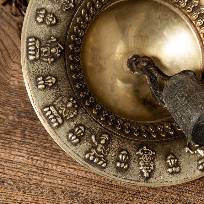 チベット密教の礼拝用シンバル[15cm 430g] 2 - 一部分を拡大してみました