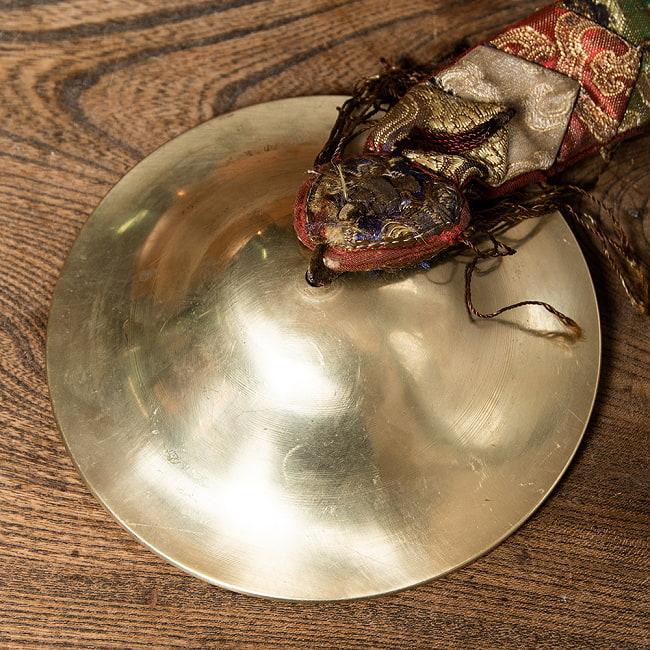 チベット密教の礼拝用シンバル[15cm 430g] 5 - 装飾が美しいです