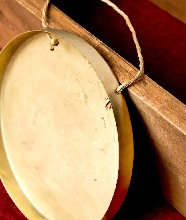 ベトナムのゴング(銅鑼)18cmの写真6 - 紐を持って演奏します