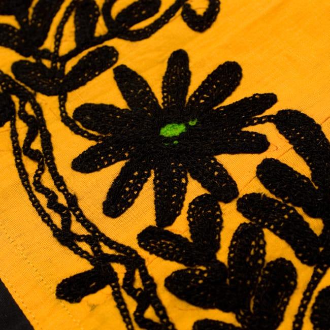 〔1点物〕カッチ地方のトライバル刺繍ミニスカート  3 - 刺繍部分をアップにしてみました。