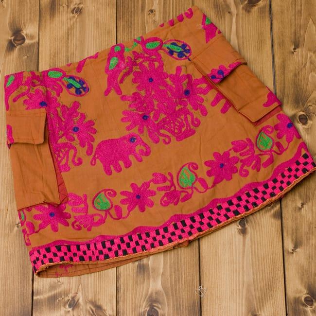 〔1点物〕カッチ地方のトライバル刺繍ミニスカート の写真