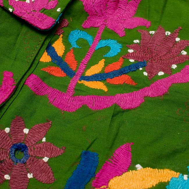 〔1点物〕カッチ地方のトライバル刺繍ミニスカート  4 - 鮮やかな色合いがとても美しいです。