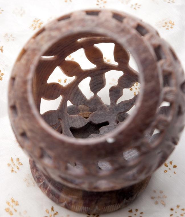 ゾウとつる草 - ソープストーン丸形キャンドル&お香スタンドの写真6 - 内側はこのようになっております。