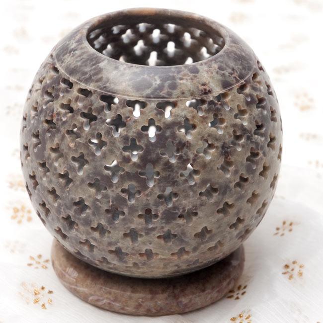 上部開放型 - ソープストーン丸形キャンドル&お香スタンドの写真9 - 【グレー系】はこのような配色になります。*天然石を使用している為、色合い等はそれぞれ異なります。