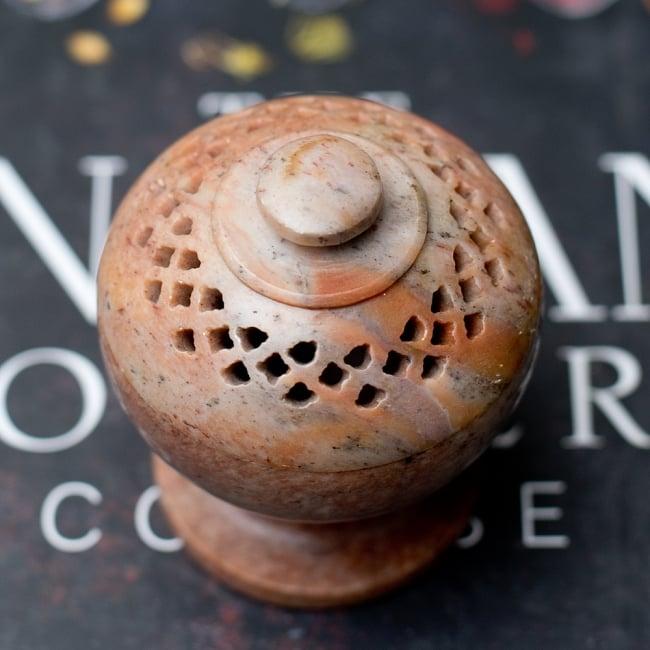 ソープストーンピルケース ジャリ〔5.5cm〕&お香立て 2 - 上からの写真です