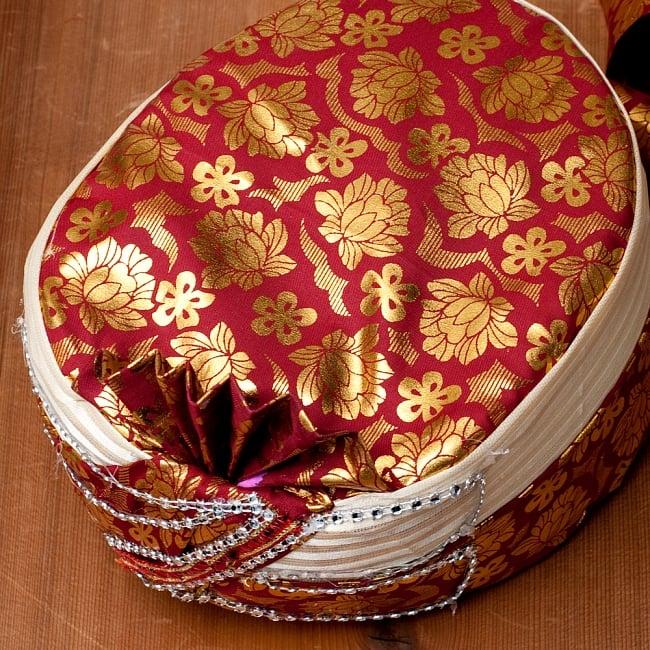 インスタントソフトターバン【頭の上が赤 えんじ系 花やツタ模様】 2 - 上部がこのような色合いと柄の中から、当店で選んでお送りいたします。