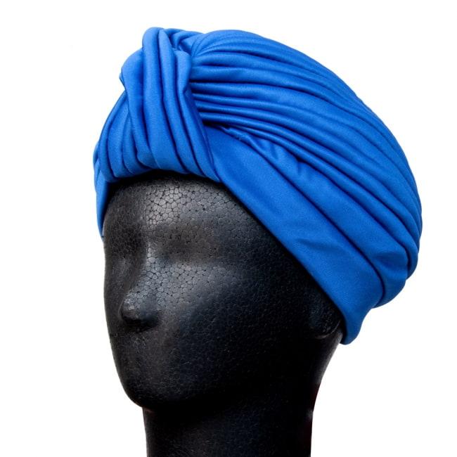 被るだけ簡単カラフルストレッチターバン 仮装に便利!インドやアラブなコスプレへ 3 - 普通のターバンだと、巻いて形を作るのが大変ですが、帽子の形になっているので被るだけでOKです。