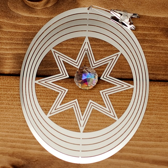 コスモスピナー 太陽で輝き風で動くモビール - オーバルの写真2 - 全体写真です