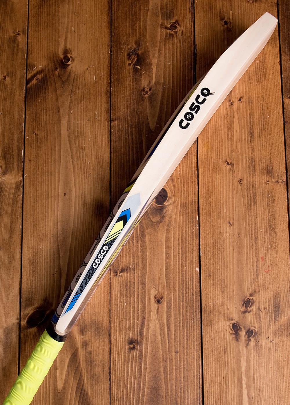 クリケットバット - COSCO STRIKER 8 - 日本ではあまり知られていないスポーツですが、インドでは野球の起源となったこのスポーツがとても人気です。