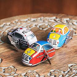 ゼンマイ式で走り回る!クラシックミニカー インドのレトロなブリキのおもちゃ