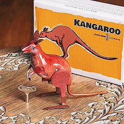 ゼンマイ式  ピョンピョン跳ねるカンガルーさん インドのレトロなブリキのおもちゃ