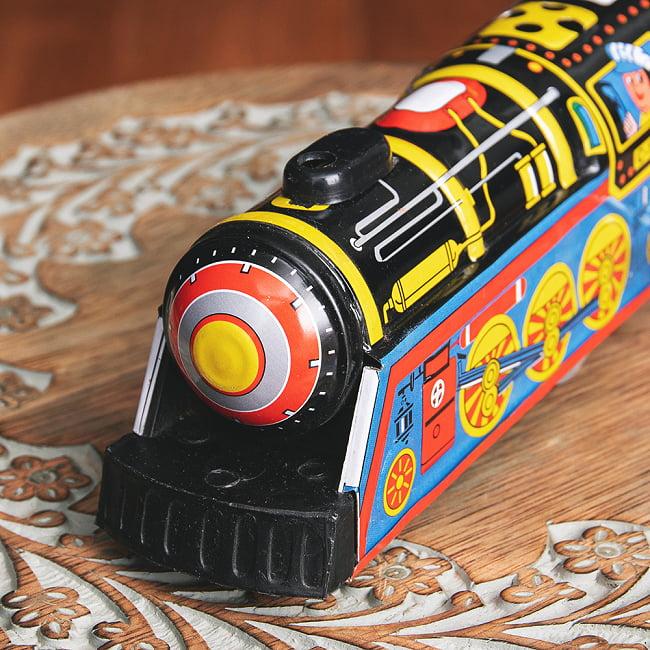 ゼンマイ式 汽笛が鳴る!大陸横断機関車 インドのレトロなブリキのおもちゃ 3 - 前からの写真です
