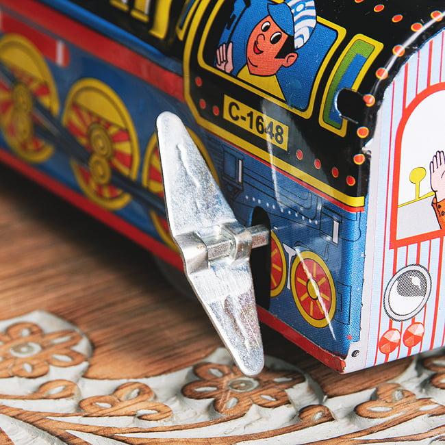 ゼンマイ式 汽笛が鳴る!大陸横断機関車 インドのレトロなブリキのおもちゃ 6 - ゼンマイ式です