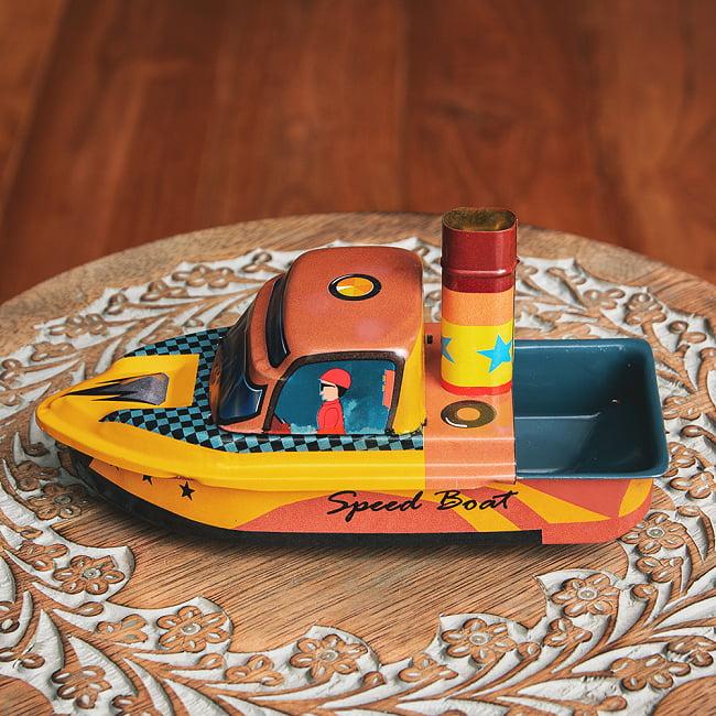 昔なつかしの大型ポンポン蒸気船 熱機関の実験にも インドのレトロなブリキのおもちゃ 2 - 横からの写真です