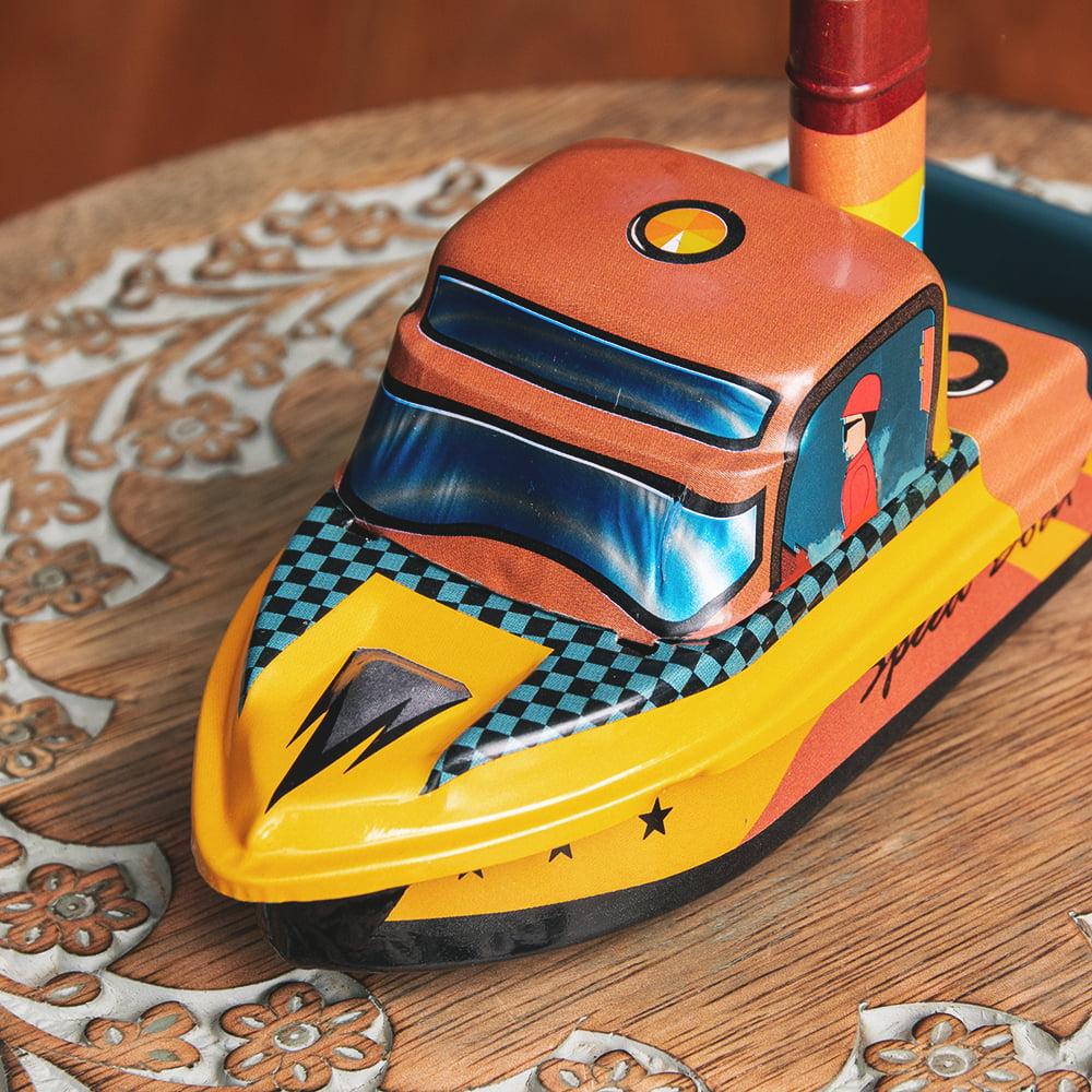 昔なつかしの大型ポンポン蒸気船 熱機関の実験にも インドのレトロなブリキのおもちゃ 3 - 前からの写真です