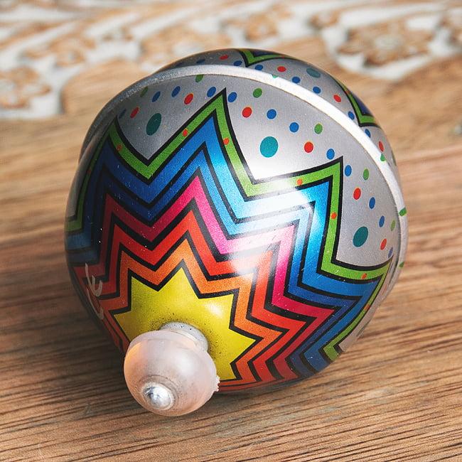 〔アソート〕フリクション式 カラフル気球コマ インドのレトロなブリキのおもちゃ 5 - 裏面です