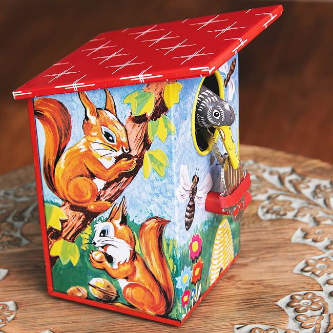 楽しく貯金!鳥さん貯金箱 インドのレトロなブリキのおもちゃ 6 - 反対側です