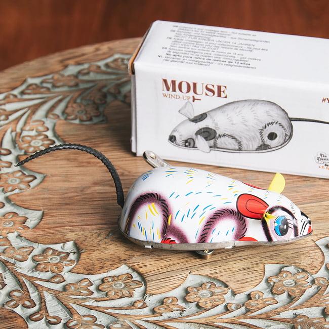 ゼンマイ式で動くカラフルネズミさん インドのレトロなブリキのおもちゃ 4 - 別の角度から