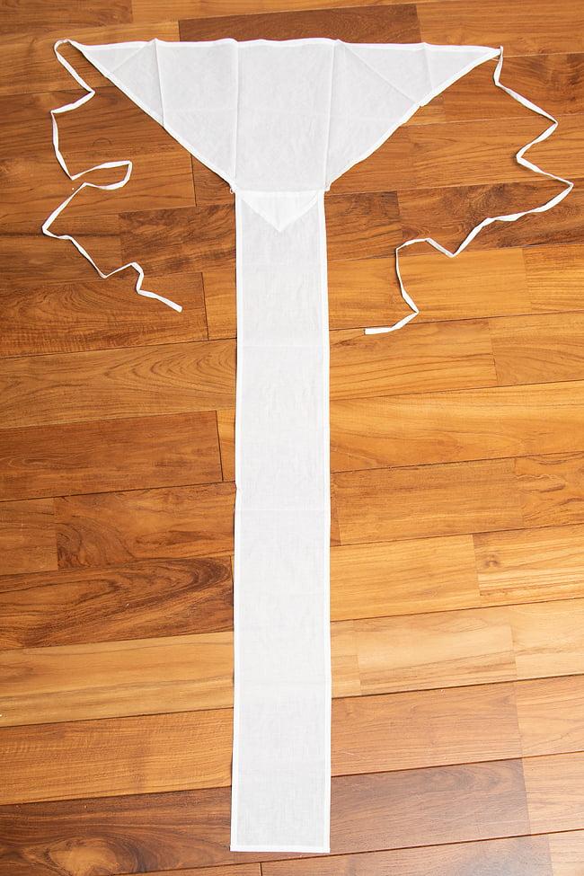 ランゴット - インドの神聖な相撲「クシュティ」に使われるふんどし 5 - 広げるとこのような形をしています。