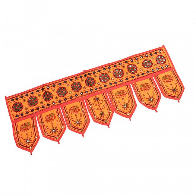 インドの飾りトーラン -ぞうと花と鏡-アソート 3 - オレンジ明です。上部についたわっかに棒などを通してお使いいただけます。