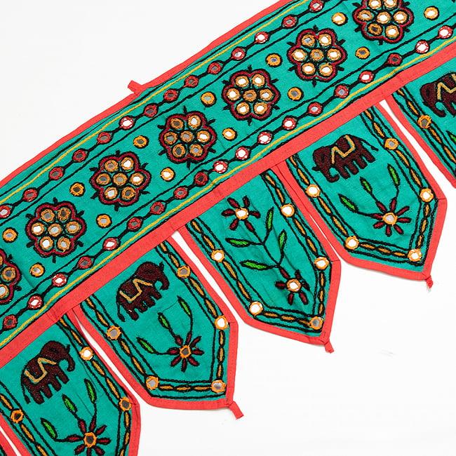 インドの飾りトーラン -ぞうと花と鏡-アソート 5 - ミント暗です。