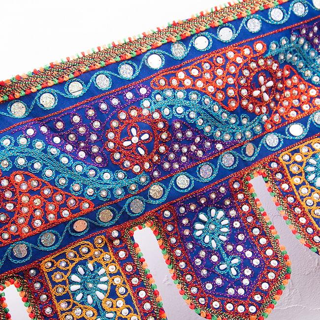 砂漠の国のトーラン -ビーズ-波 3 - どこまでも続く美しい刺繍です。