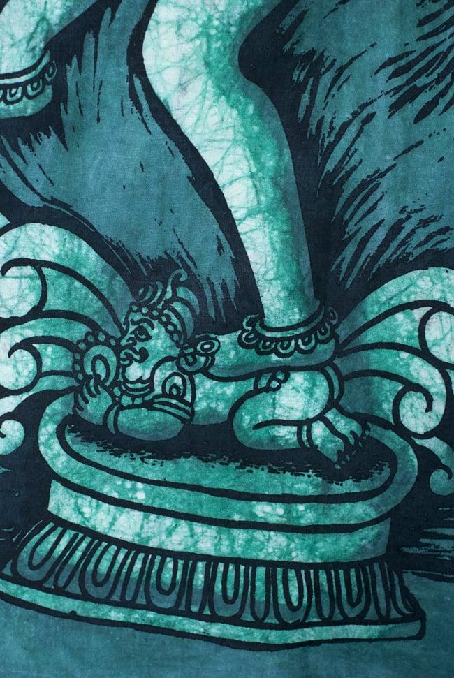 [小サイズ]バティック染めのタペストリー風神様布 - ナタラジ(ダンシングシヴァ)[約50x85cm]の写真4 - 柄の拡大です