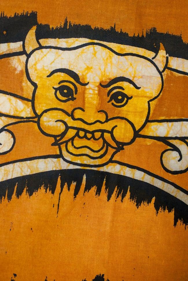 [小サイズ]バティック染めのタペストリー風神様布 - カーマ・スートラ[約50x85cm]の写真3 - 柄の拡大です