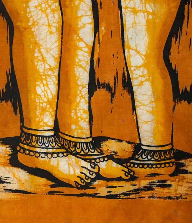 [小サイズ]バティック染めのタペストリー風神様布 - カーマ・スートラ[約50x85cm]の写真4 - 柄の拡大です