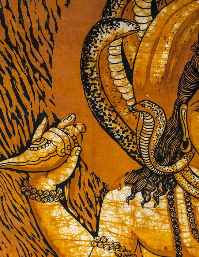 [大サイズ]バティック染めのタペストリー風神様布 - レリーフ・シヴァ[約85x130cm]の写真3 - 柄の拡大です