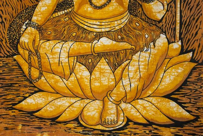 [大サイズ]バティック染めのタペストリー風神様布 - レリーフ・シヴァ[約85x130cm]の写真4 - 柄の拡大です