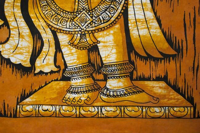 [大サイズ]バティック染めのタペストリー風神様布 - クリシュナ[約85x130cm]の写真4 - 柄の拡大です