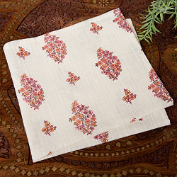 昔ながらの木版染め伝統模様布ハンカチ - オフホワイト