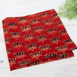 昔ながらの木版染め伝統模様布ハンカチ - 赤ロータス