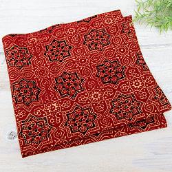 昔ながらの木版染め伝統模様布ハンカチ - 赤・スターオクタゴン