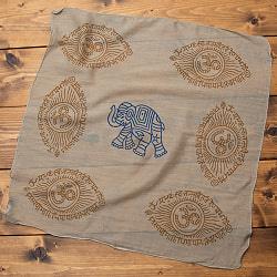 インドの木版染めハンカチ - OMぞうさんべージュ