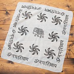 インドの木版染めハンカチ - HINDHI