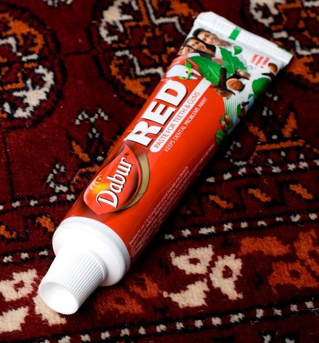 RED - アーユルヴェーダ歯磨き【Dabur】の写真