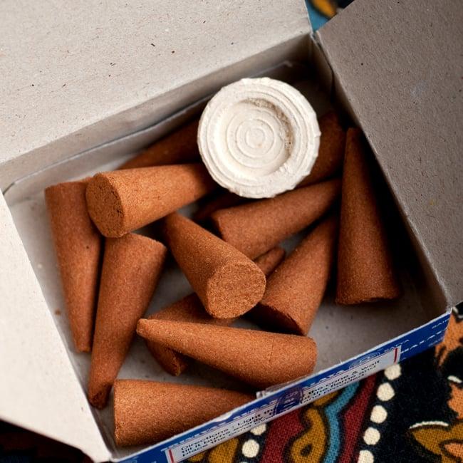 【Satya】ナグチャンパ[コーン香BOX]の写真2 - 中はこのようになっております。焚かなくても良い香りがしてきます。